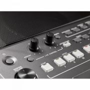 Teclado Musical Arranjador 61 Teclas Sensitivas Preto PSR-S670 YAMAHA